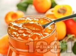 Сладко от кайсии и мед стерилизирано в буркани (зимнина) - снимка на рецептата